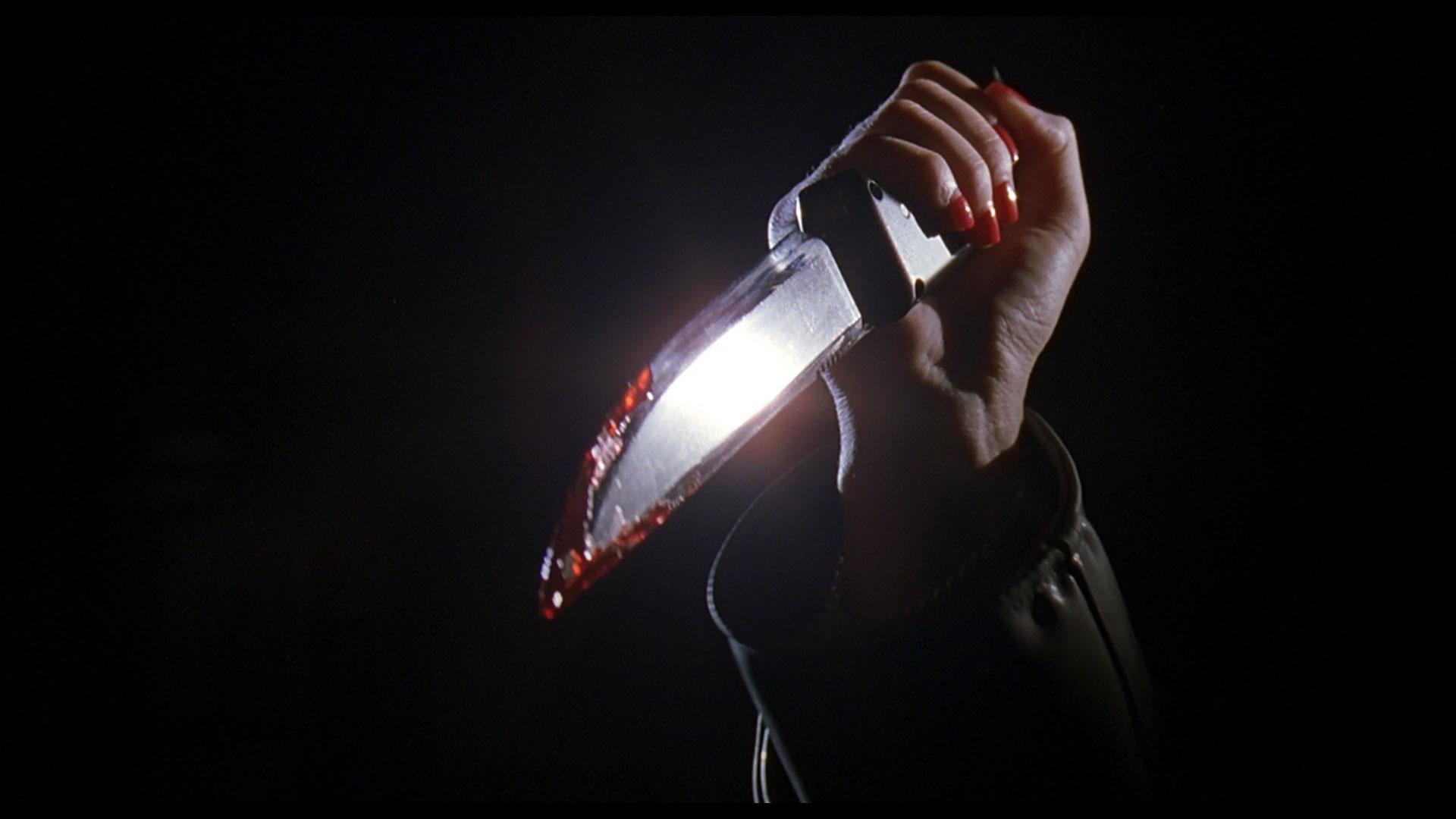 Cherry Falls - Killer holding knife